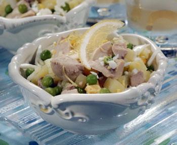 салат из печени трески с зеленым горошком
