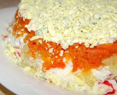 Салат крабовый слоеный пошаговый