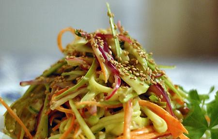 салат из кабачков с чесноком, салат для похудения