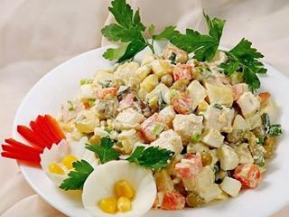 курица с анананасом и зеленым горошком, салат вкусняшка