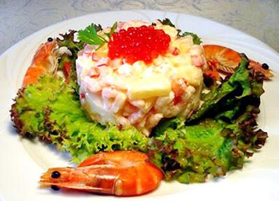 рецепт салата королевский с кальмаром, креветками и икрой