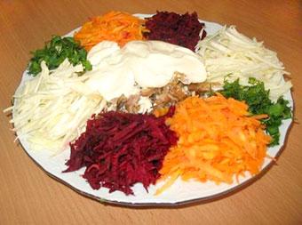 салат козел в огороде, мясо с овощами