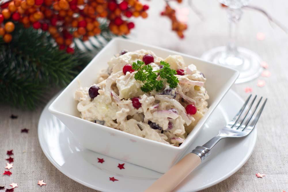 салат зимний с клюквой