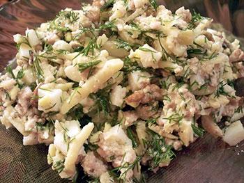 салат с камболой, картошкой и яйцами
