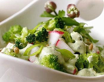 салат из брокколи и редиса, салат постный, салат разгрузочный, салат овощной