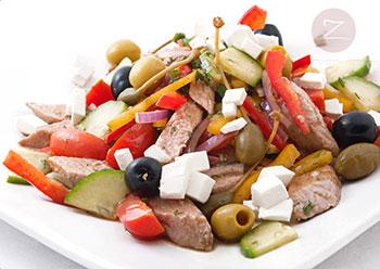 салат греческий с тунцом и фасолью