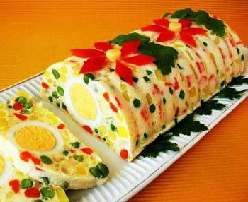 желейный салат с ветчиной, яйцами и овощами