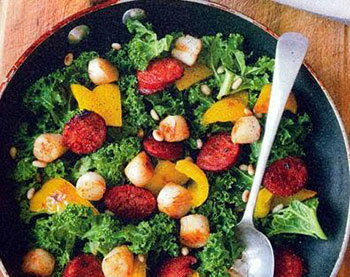 салат из колбасок с брокколи