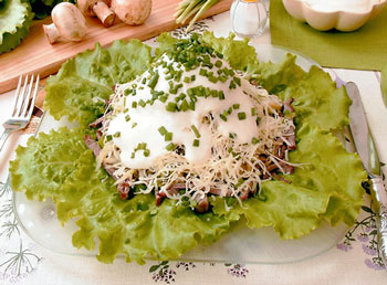 салат мясной с сыром
