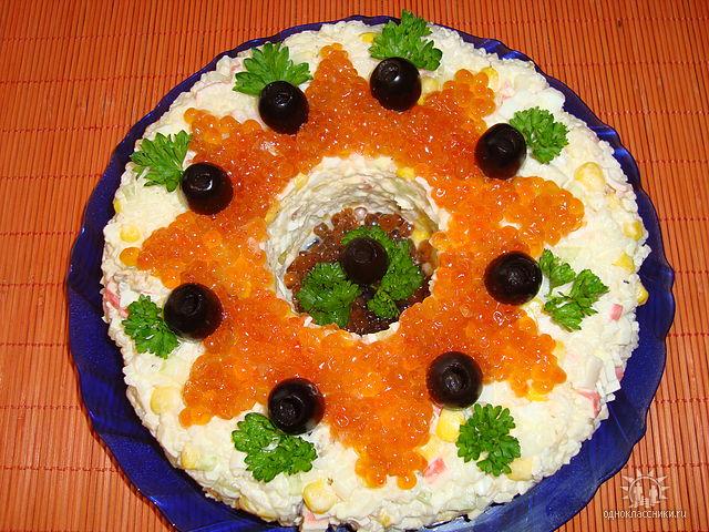 салат морское дно из морепродуктов
