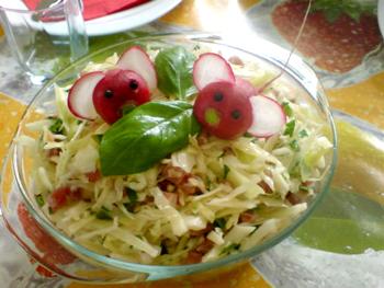 салат мышки из капусты с копченым мясом