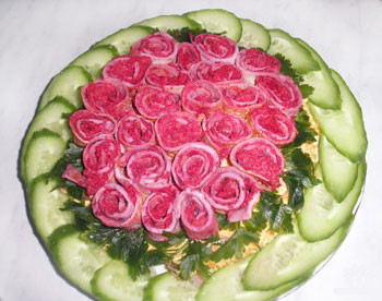 салат розочки к 8 марта