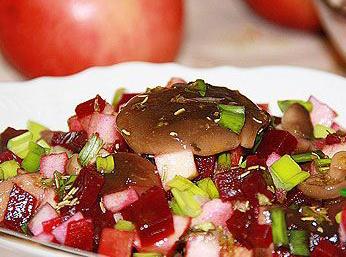 салат свекольный с грибам хуторок