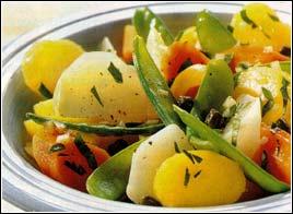 салат легкий овощной из кольраби и фасоли