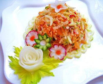 салат овощной постный из моркови с сельдереем