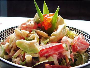 салат рыбный с картофелем и овощами