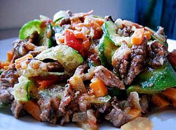 салат с мясом говядины