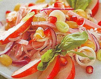 салат с ветчиной, капустой и яблоками
