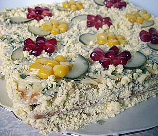 салат из горбуши и крекеров