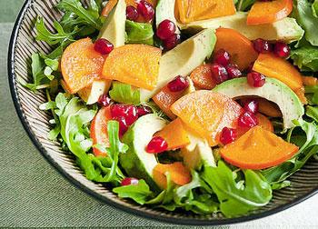 салат фруктовый с хурмой и авокадо