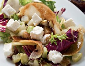 рецепт салат с сыром фета из кольраби и фиников