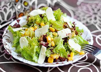 салат из кукурузы и сыра, легкий