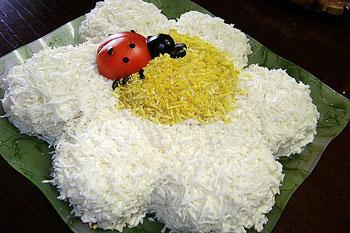 салат ромашка с божьей коровой