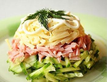 салат баварский с ветчиной