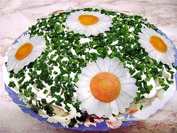 салат закусочный из хрена и колбасок
