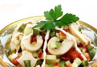 салат копенгагский из рыбы с помидором и огурцом