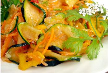 салат из кабачков и моркови с перцем