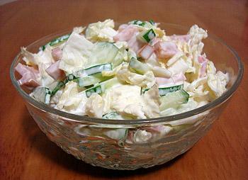 салат из пекинской капусты и колбасы, салат на скорую руку