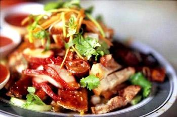 мясой салат со свининой и грибами