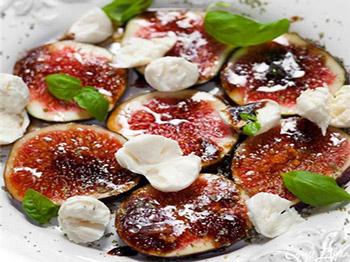 салат из инжира и моцареллы