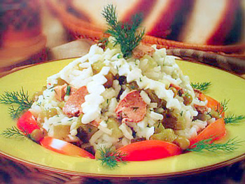 салат из риса и печени трески