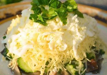 салат осенний с грибами и курицей