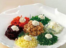 салат с тунцом и свеклой ассорти