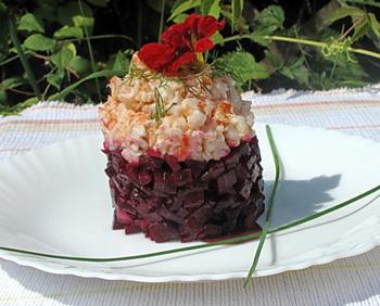 салат со свеклой и креветками, оригинальная закуска
