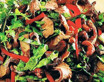 салат строгановский из говядины с грибами