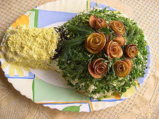 украшение салатов, грибы, мясо