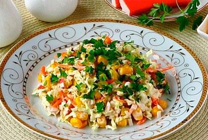 салат из капусты и крабовых палочек