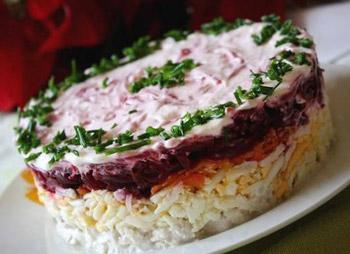 салат генеральский из мяса, слоеный