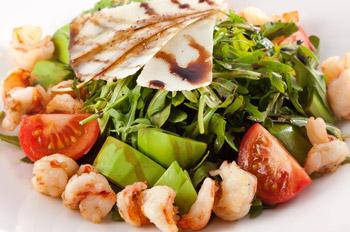 салат с рукколой и креветками, салат оригинальный