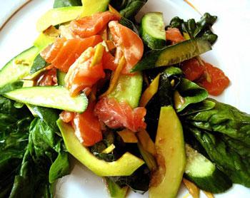 салат шпинат с авокадо