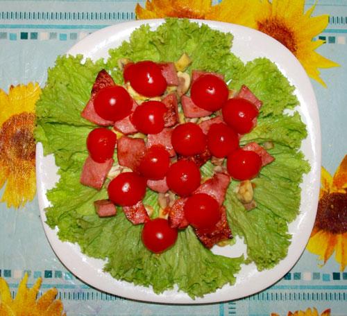 салат из каштанов и ветчины