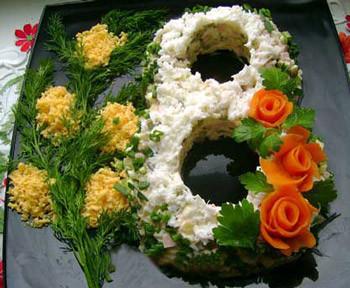 салат оливье, украшение к 8 марта