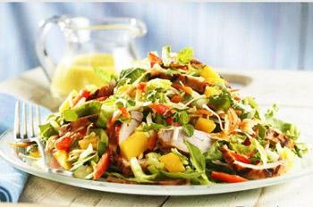 салат весенний со свининой и редькой, острый салат, корейский салат