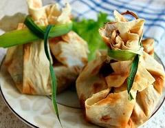 Салат из индейки в лаваше