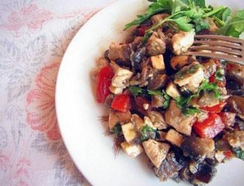 салат из баклажана и курицы