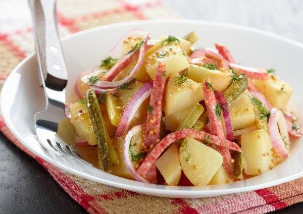 салат летний с молодой картошкой